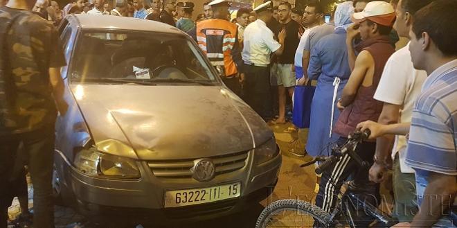 DIAPO/ Fès : Encore une voiture qui fonce sur la terrasse d'un café