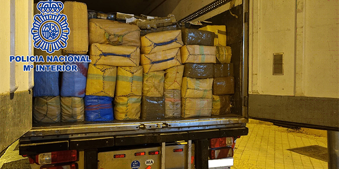 Espagne: 26 tonnes de haschich saisies à bord d'un camion en provenance de Tanger Med
