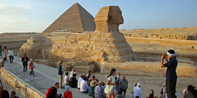 Tourisme: L'Egypte rouvrira ses aéroports en juillet