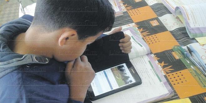 RSK: Distribution de tablettes aux élèves du rural