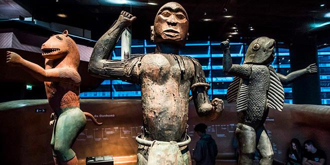 La France va restituer des œuvres d'art réclamées par le Bénin