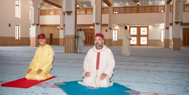 Le Roi inaugure une mosquée à Tanger