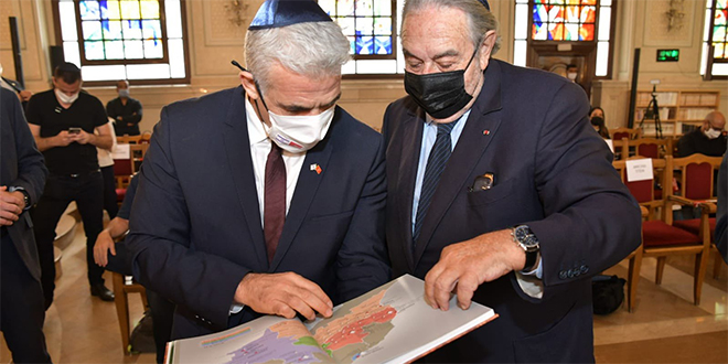 Le ministre israélien des Affaires étrangères visite la synagogue Beth-El à Casablanca