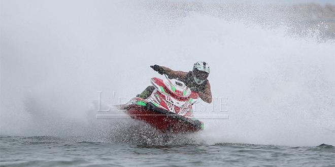 DIAPO/ Les jet skieurs s'illustrent à Mohammedia
