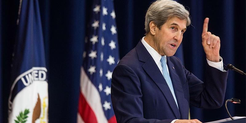 Climat: Macron reçoit John Kerry