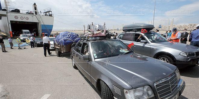 Tanger Med: La Douane saisit 106.000 euros chez un MRE