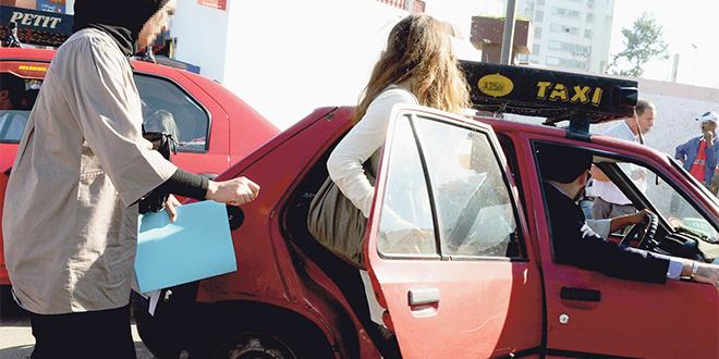Fès : Les taximen obligés à porter le masque de protection