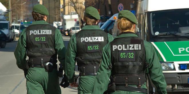 """Allemagne: Descentes policières contre des """"milieux islamistes"""""""