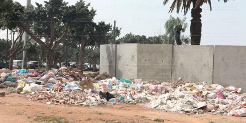 Casablanca: Les déchets inertes narguent les autorités locales