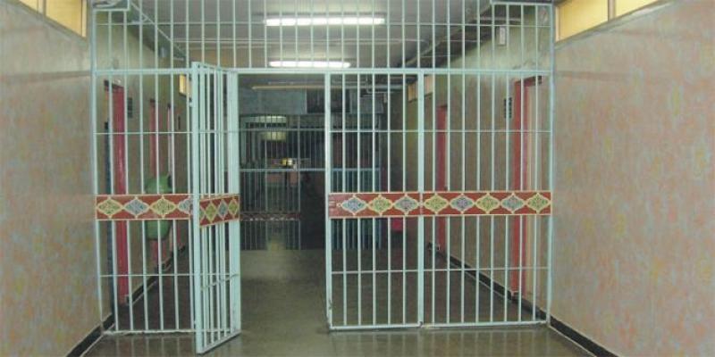 Que Dit la Loi? Plus de 1.000 détenus en grève de la faim en 2020