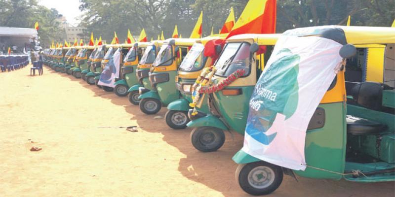 Financer des tuk-tuks plus écologiques en Inde