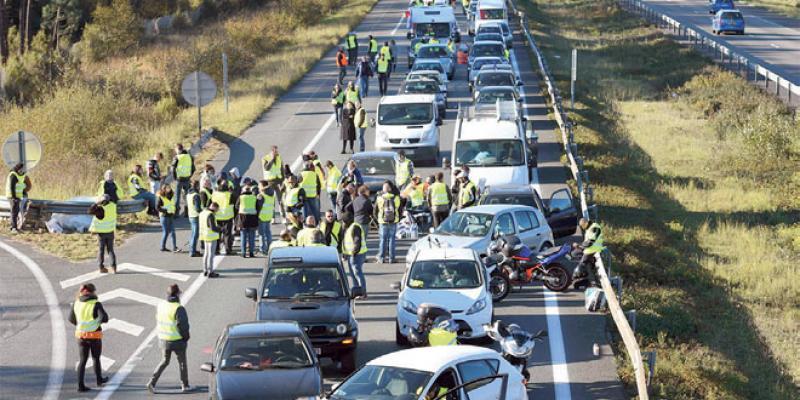 Gilets jaunes: Grogne contre la flambée des prix en France