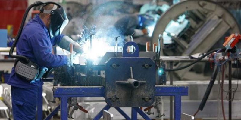 Conjoncture: L'industrie et les services en forme