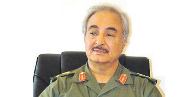 Libye: Lâché par la Russie, Haftar cherche appui à Paris