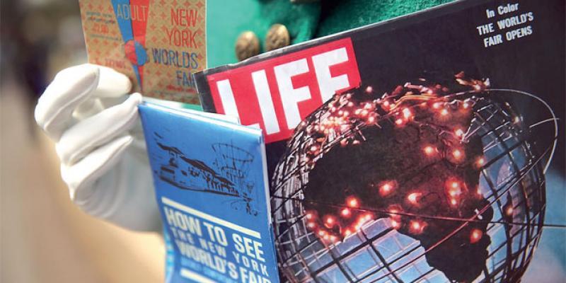 Photos du magazine Life, pistolet de James Bond... aux enchères