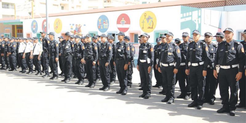 La police expose son arsenal à l'occasion de son 61e anniversaire