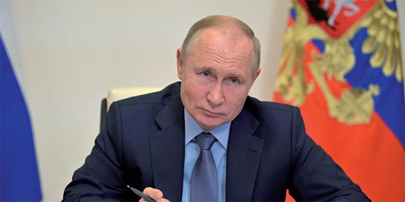 Poutine met les Russes en congé pour les inciter à se faire vacciner!