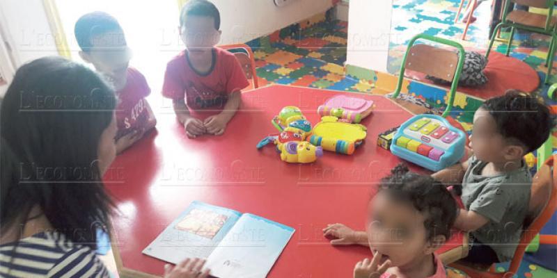 Préscolaire: Elle développe une offre à 50 DH pour enfants démunis