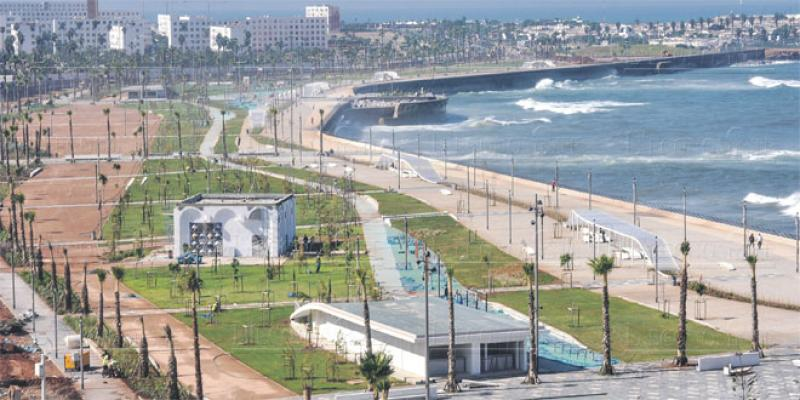 Promenade de la mosquée Hassan II: Le plus grand baladoir de Casablanca