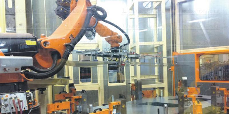 Emploi: Robotisation vs bas salaires