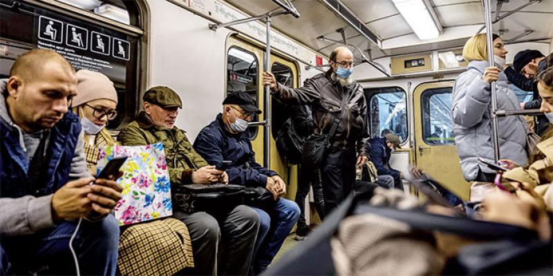 Russie: Nouveau record quotidien d'infections et de décès!