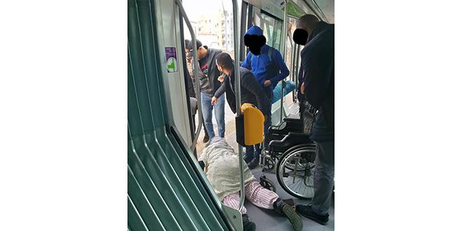 Tramway Rabat-Salé: Un contrôleur s'acharne sur une personne handicapée
