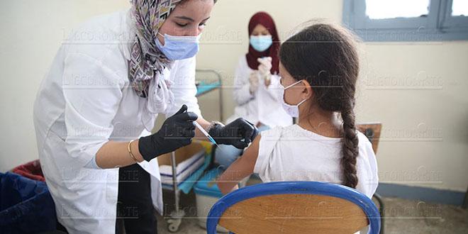 Vaccination 12-17 ans: Plus d'un million d'élèves ont reçu la première dose