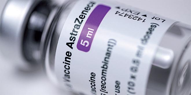 Covid: AstraZeneca envisage une 3è dose de vaccin