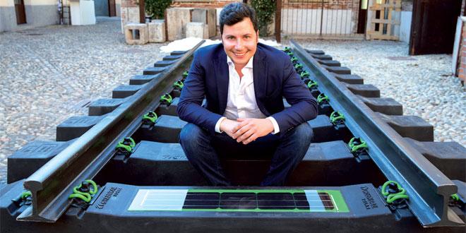 Des vieux pneus transforment les voies ferrées en centrales solaires intelligentes